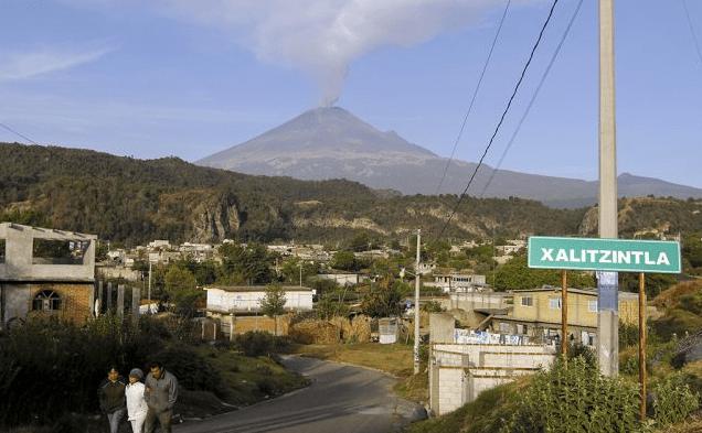 Autoridades revisan rutas de evacuación del Popocatépetl