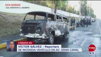 Se incendia vehículo en la avenida Gran Canal, CDMX