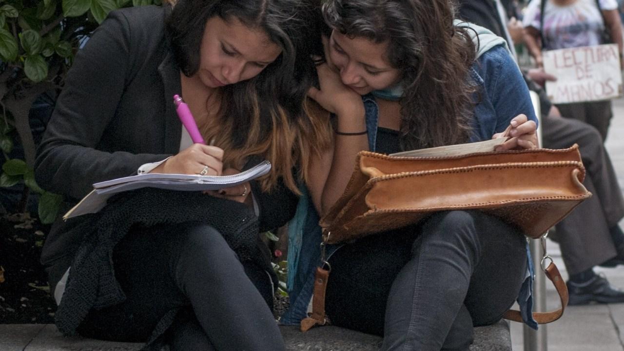 """Foto: El programa """"Jóvenes Construyendo el Futuro"""" brindará oportunidades de estudio y trabajo a jóvenes, etiquetados como 'ninis', 27 marzo 2019"""