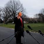Foto: El presidente de los Estados Unidos, Donald Trump, habla con los reporteros cuando regresa a la Casa Blanca en Washington, marzo 24 de 2019 (Reuters)