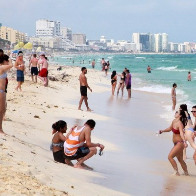 Inseguridad y sargazo disminuyen llegada de spring breakers a Quintana Roo