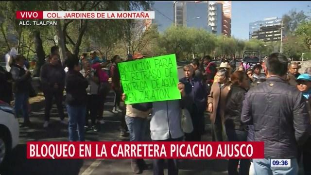 Vecinos bloquean carretera Picacho Ajusco