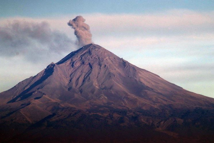 Volcán Popocatépetl registra 111 exhalaciones y dos ...