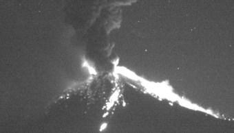 volcan popocatepetl registra explosion con salida de material incandescente