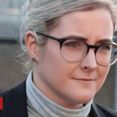 Exempleada de JK Rowling, condenada a pagar por compras personales