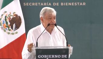 Foto: AMLO se compromete a federalizar los sistemas de salud, el 6 de abril de 2019. (Gobierno de México YouTube)