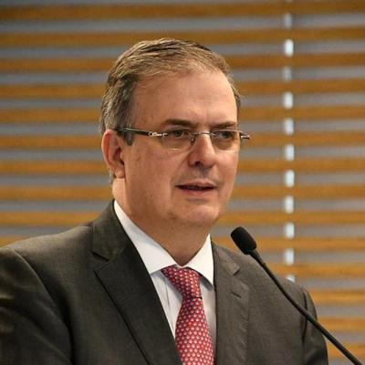 AMLO niega renuncia de Marcelo Ebrard, dice 'es una volada'