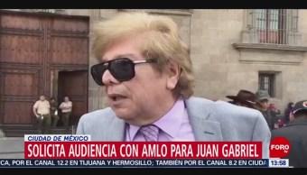 Asistente de Juan Gabriel pide audiencia de éste con AMLO