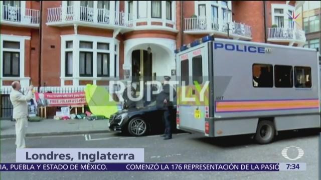 Assange permanece en celda segura al sur de Londres