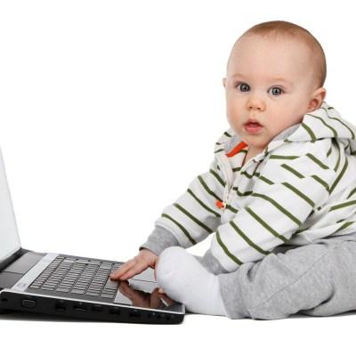 ¿Por qué los bebés no deben pasar tiempo frente a celulares ni televisión?