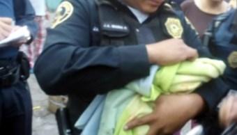 Abandonan a una bebé entre la basura en la CDMX; buscan a responsable