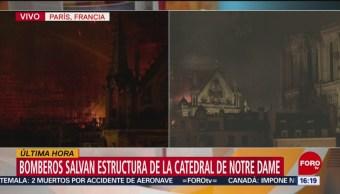 Foto: Bomberos salvan estructura de la catedral de Notre Dame