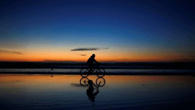Foto: Ciclista en Tijuana, 8 de diciembre de 2018, México