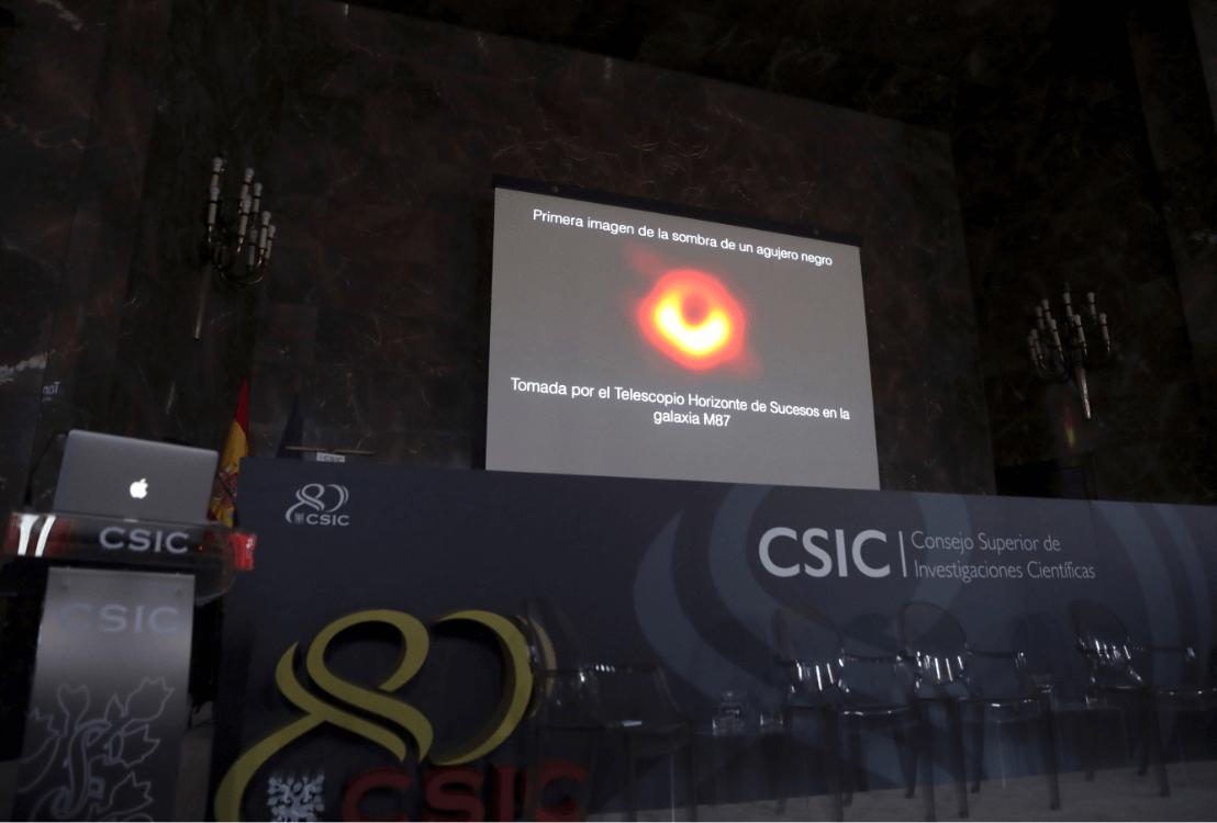 Foto: Científicos del mundo dan a conocer imagen de un agujero negro, 10 de abril de 2019