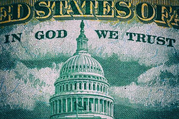 Dólar hoy, 29 de abril de 2019, gana seis centavos al peso