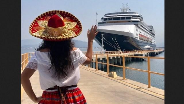 Foto: arriba el último crucero de la temporada a Manzanillo, Colima, 30 de abril 2019. Twitter @berthareynoso