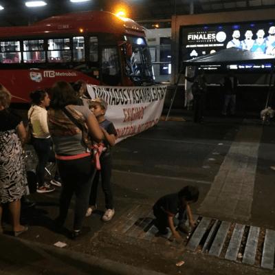 Damnificados del 19-S bloquean Insurgentes en ambos sentidos