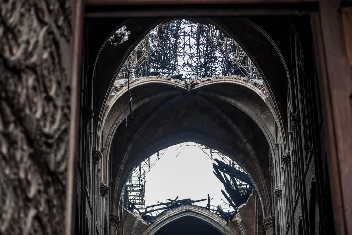 Foto: Daños del incendio en Notre Dame, 16 de abril de 2019, Francia