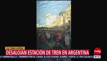 Foto: Desalojan estación de tren en Argentina por amenaza de explosivo