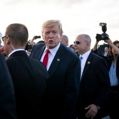 Aprobación de Trump cae tras conocerse informe sobre Rusia