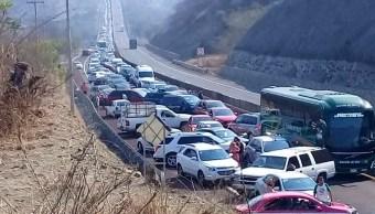 Foto: Cientos de automóviles quedaron varados en la Autopista del Sol. El 22 de abril de 2019