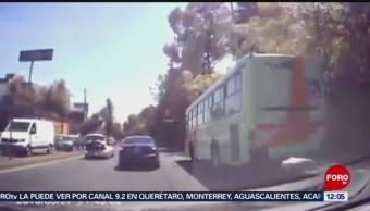 Hombre secuestrado escapa de cajuela de auto en movimiento