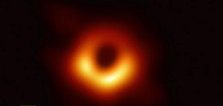 Presentan primera imagen de un agujero negro
