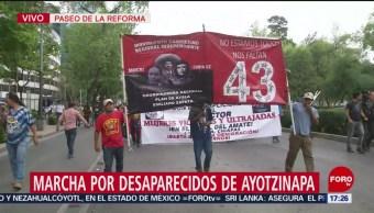 Foto: Marcha por desaparecidos de Ayotzinapa en Reforma