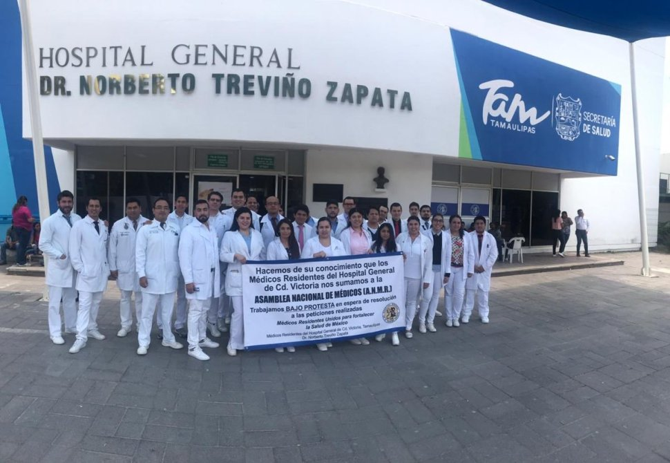 Foto Médicos residentes levantan Asamblea 17 abril 2019