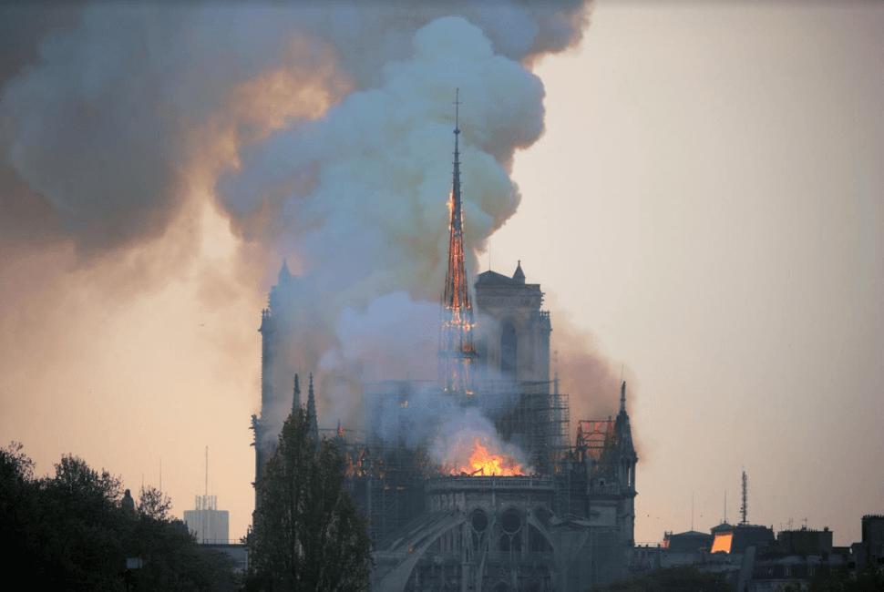 Foto: Incendio en la Catedral de Notre Dame, París, 15 de abril de 2019, Francia