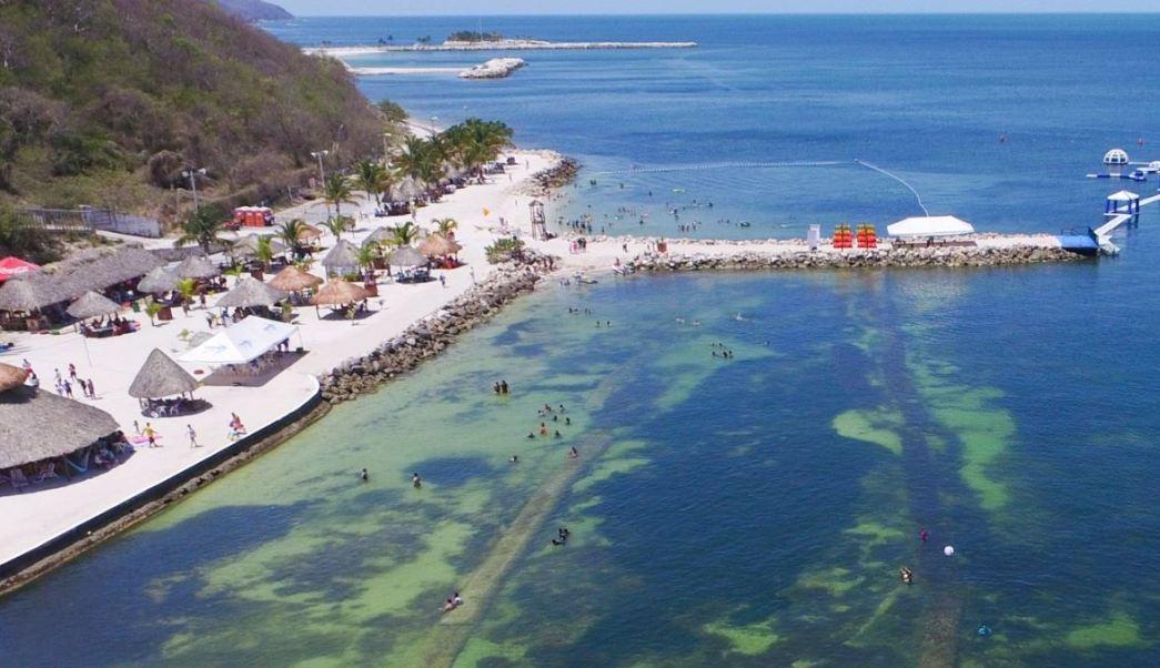 Turistas disfrutan de playas de Campeche en Semana Santa