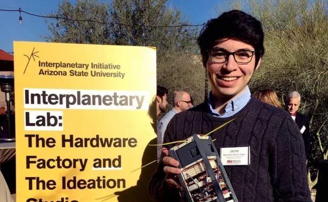 Sánchez de la Vega es un ingeniero de Sonora que actualmente estudia en la Universidad Estatal de Arizona y lidera el proyecto de nanosatélites (Jaime Sanchez de la Vega)