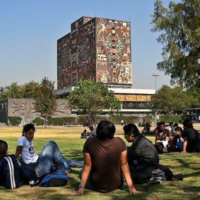 Universidades públicas deberían rendir cuentas sobre presupuesto, dice AMLO