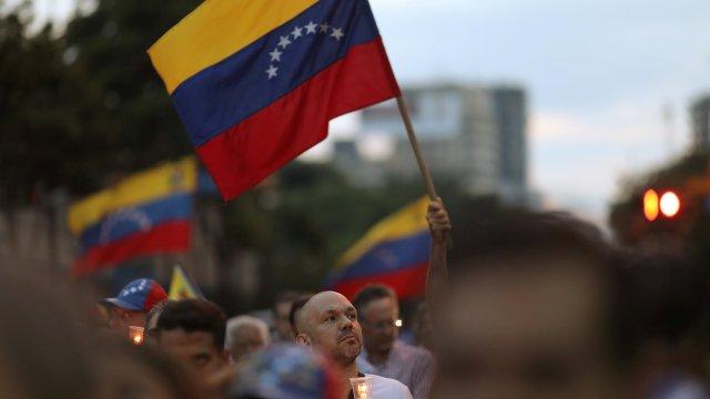 'Es hora de levantarnos', pide general venezolano a militares en un video