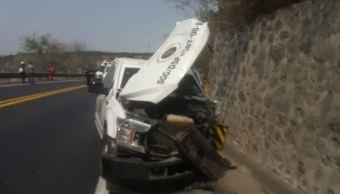 Foto: Según Protección Civil Jalisco, en el lugar murieron 3 personas y resultaron heridas otras 3 personas, dos de ellos custodios de la camioneta de valores, el 26 de mayo de 2019 (Twitter @PCJalisco)