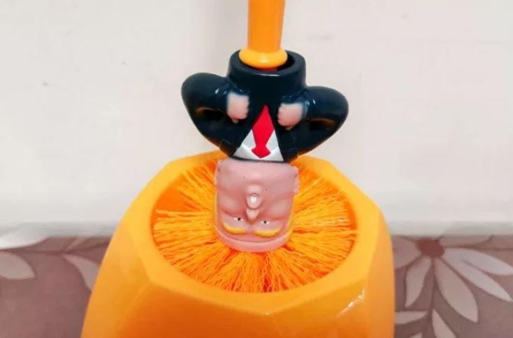 Algunos usuarios de Taobao han comentado que Trump puede ser 'muy útil' ('so useful', como suele decir el presidente) para limpiar sus inodoros (Rex Features)