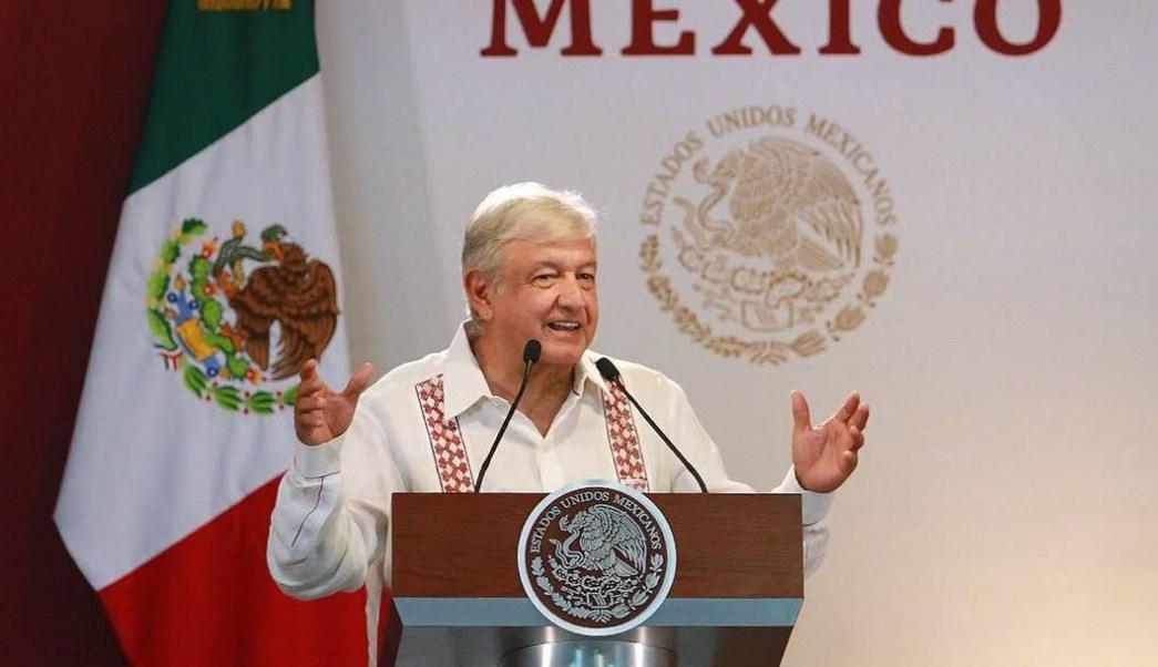 Foto: El presidente de México, Andrés Manuel López Obrador, ofrece su mensaje desde la Refinería 'Ing. Antonio Manuel Amor Ríos', en Salamanca, Guanajuato, el 27 de mayo de 2019 (Gobierno de México)