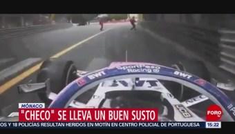 FOTO: 'Checo' Pérez, cerca de atropellar a comisarios de pista en Mónaco, 26 MAYO 2019