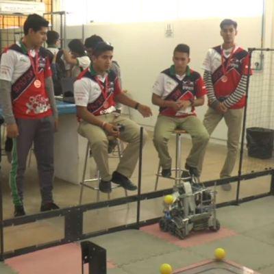 Estudiantes de Chihuahua ganan campeonato de robótica en EU