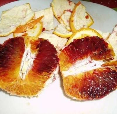 ¿Las frutas con manchas rojas están contaminadas con VIH?