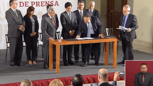 Foto: Firma del acuerdo para refinanciar ar Pemex, 13 de marzo de 2019, Ciudad de México
