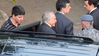 Foto: El expresidente de Brasil, Michel Temer, llega al Batallón de la Policía Militar luego de ser trasladado de la Policía Federal a Sao Paulo. El 13 de mayo de 2019