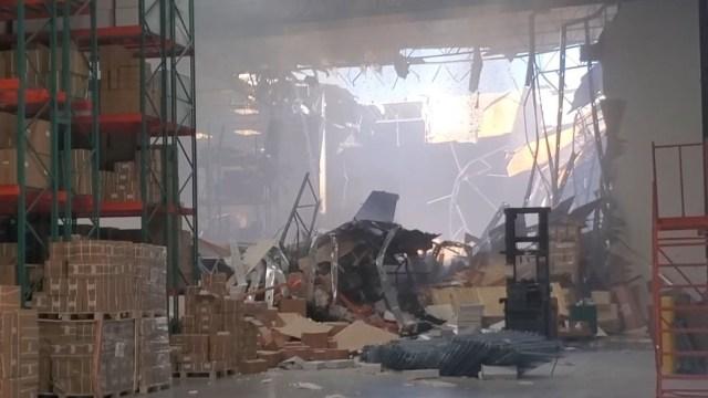 Foto: Un avión de combate se estrelló contra un edificio en California, EEUU. El 16 de mayo de 2019