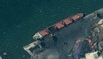 Foto: Imagen satelital del buque de carga norcoreano Wise Honest atracado en un puerto desconocido. El 9 de mayo de 2019