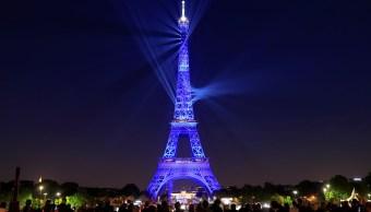 Foto: Festejan con espectáculo de luces 130 años de la Torre Eiffel, en París, Francia. El 15 de mayo de 2019