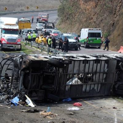 Ofrecen misa para peregrinos muertos en autopista Puebla-Orizaba