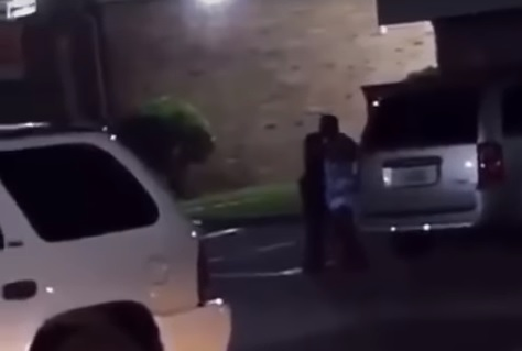 Foto: Un policía mata a una mujer en la ciudad de Baytown, en Houston, Texas, EEUU. El 13 de mayo de 2019