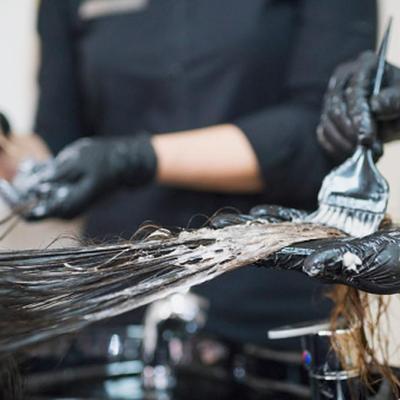 ¿Te pintas el cabello? Ten cuidado, los tintes aumentan el riesgo de cáncer