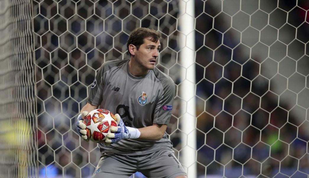 Portero Iker Casillas sufre infarto, no jugará lo que queda