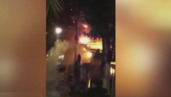 Foto: Un incendio consume varios locales del mercado de plantas, Madreselva, en Xochimilco, CDMX, 22 mayo 2019